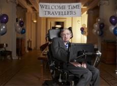 Stephen Hawking nous met en garde sur l'intelligence artificielle
